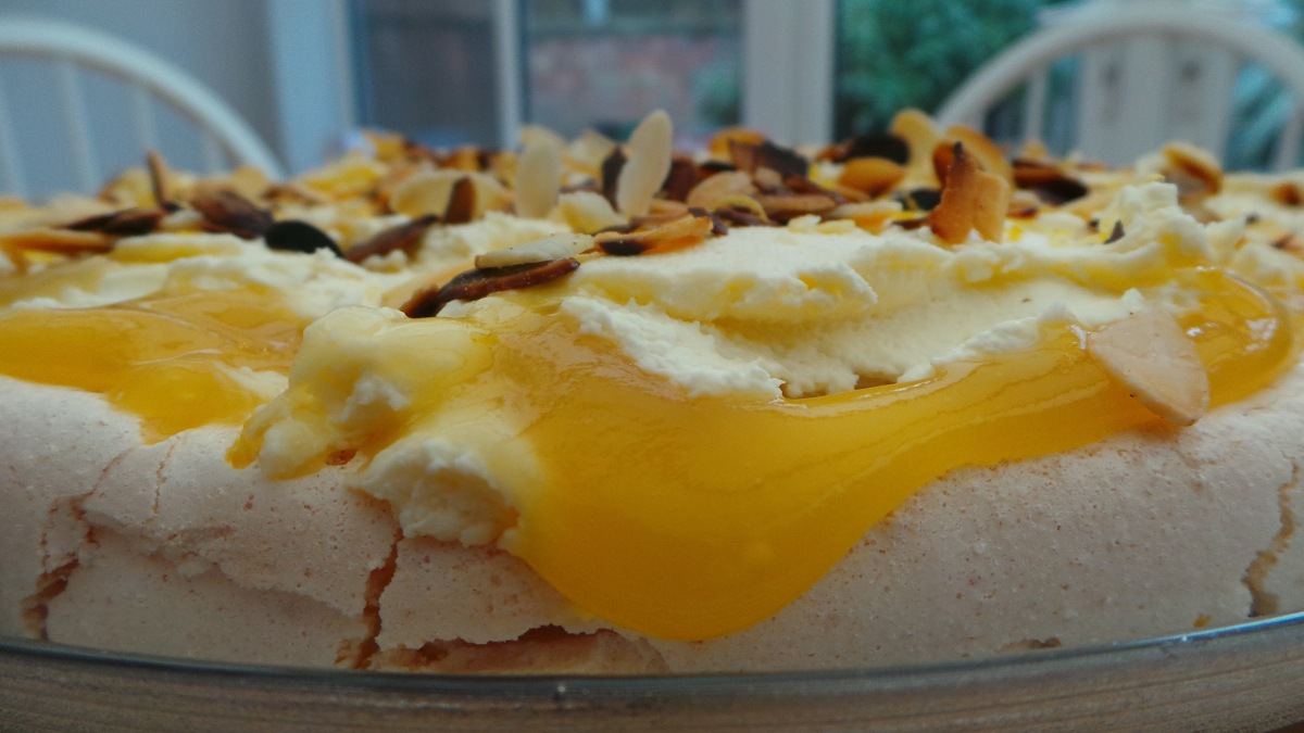 Recipe Review: Nigella Lawson's Lemon Pavlova