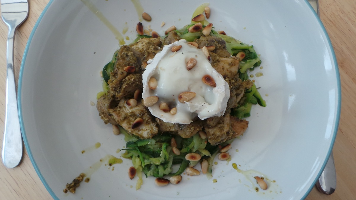 Recipe: Courgetti with Pesto Chicken, Mushrooms and Goat's Cheese